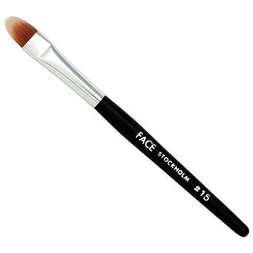 FACE Stockholm Camouflage Oval Tip Brush