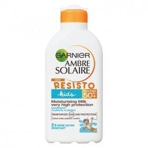 Garnier Ambre Solaire Resisto Kids Moisturizing Milk Spf 50 Aurinkovoide 200 Ml