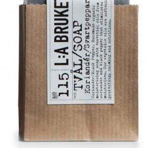 L:A Bruket Nr.115 Saippua Korianteri/Mustapippuri 120 g
