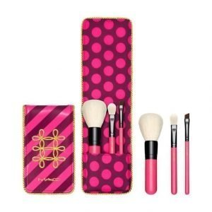 Mac Nutcracker Sweet / Essential Brush Kit Sivellinsetti