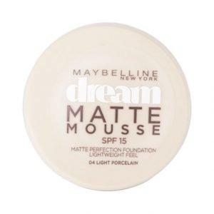 Maybelline Dream Matte Mousse Meikkivoide Champagne
