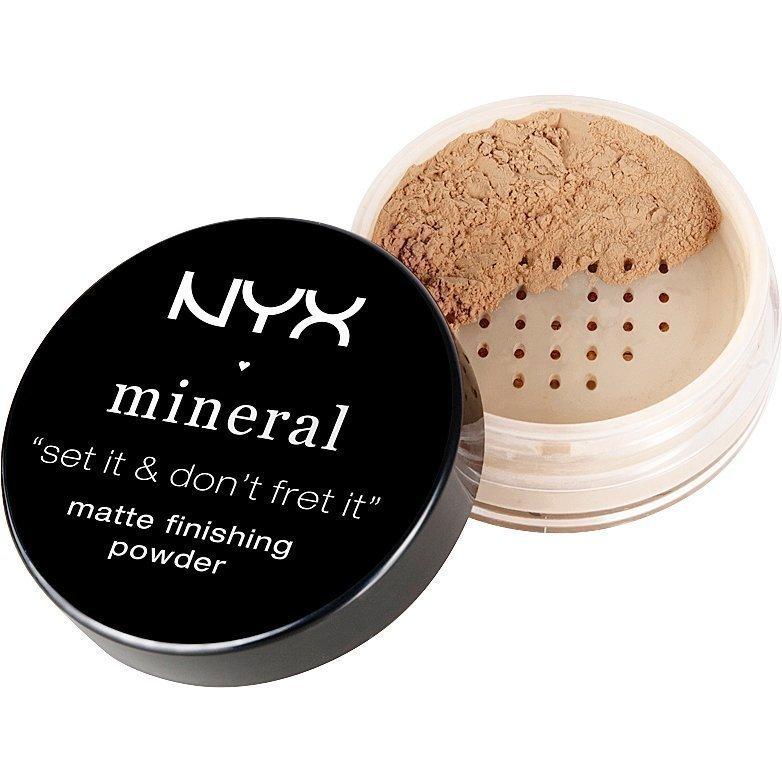 NYX Mineral Matte Finishing Powder MFP02 Medium/Dark 8g