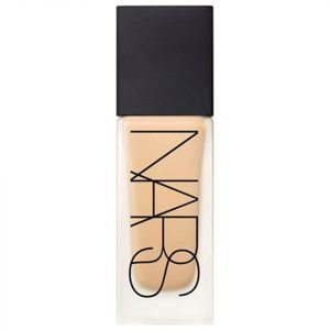 Nars Cosmetics All Day Luminous Weightless Foundation Barcelona