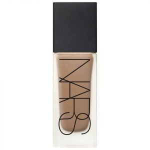 Nars Cosmetics All Day Luminous Weightless Foundation Macao