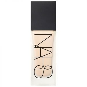 Nars Cosmetics All Day Luminous Weightless Foundation Vallaurius