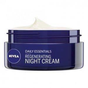 Nivea Essentials Regenerating Night Care Yövoide 50 Ml