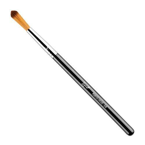 Sigma Pointed Crease Brush E48
