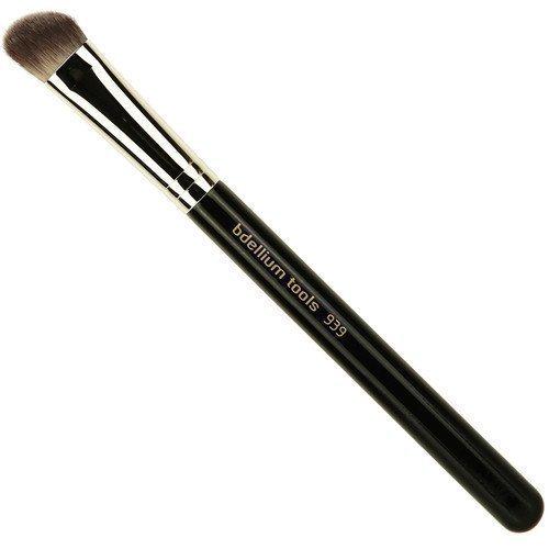 bdellium Tools Maestro 939 Slanted Detailer Brush